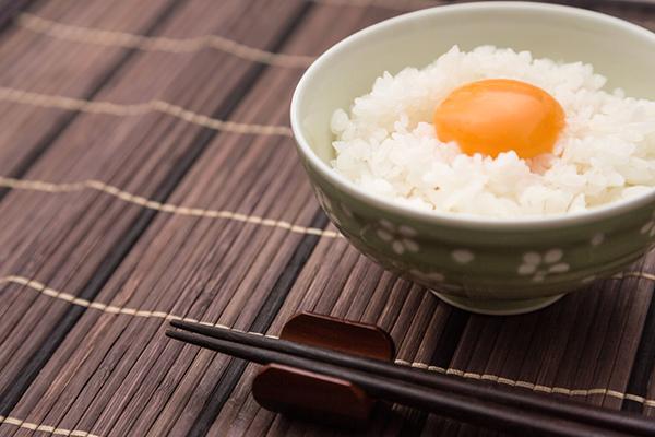 えごま油を使った卵かけご飯