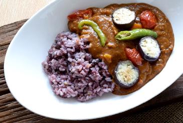 夏野菜と雑穀米カレー